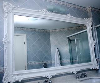 Espelho moldura pintura provençal by Madeira Flor, via Flickr