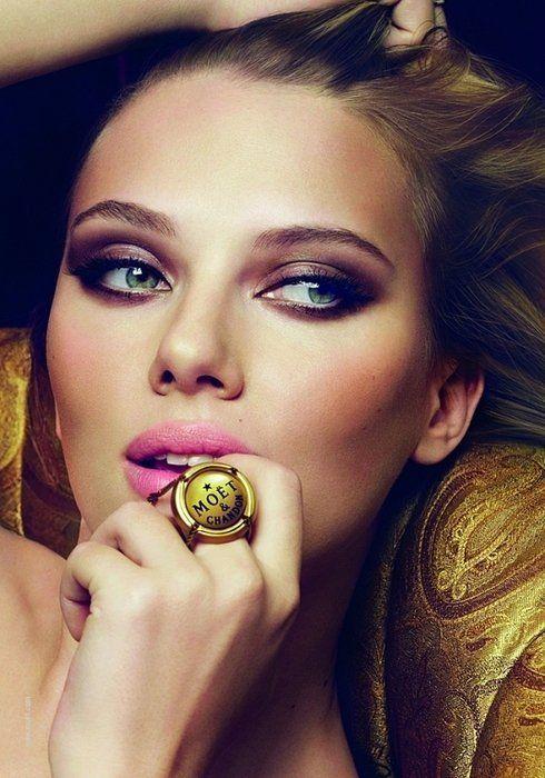 make up: Face, Make Up, Scarlett Johansson, Makeup, Beauty, Smokey Eye, Hair, Eyes