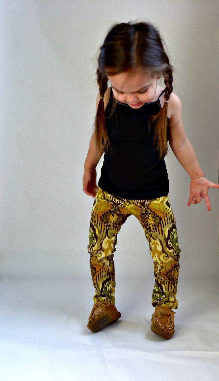 EmmylouBeeDoo!: stretch woven pants pattern.