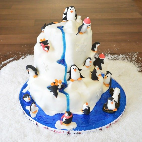 This Playful Penguin cake is a great idea for Christmas ...