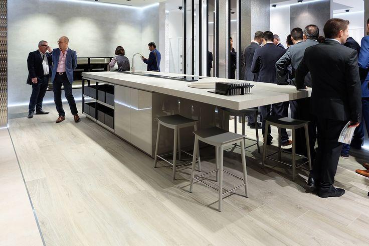 @porcelanosa en #CERSAIE - Presentación del porcelánico de fino espesor XLIGHT Premium de #URBATEK #noken #PORCELANOSA -  #designexperience #materials #tiles #marble #architecture #modern #design #spa