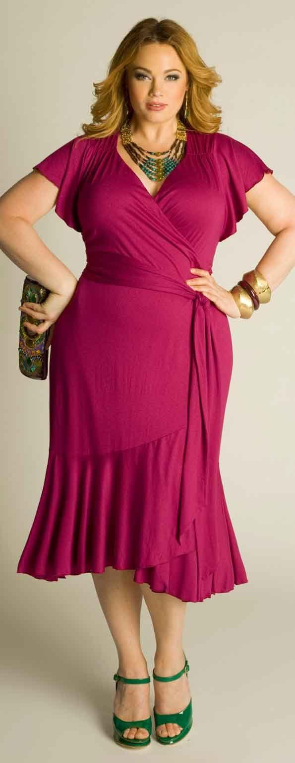 Isabela Plus Size Wrap Dress                                                                                                                                                                                 Mais
