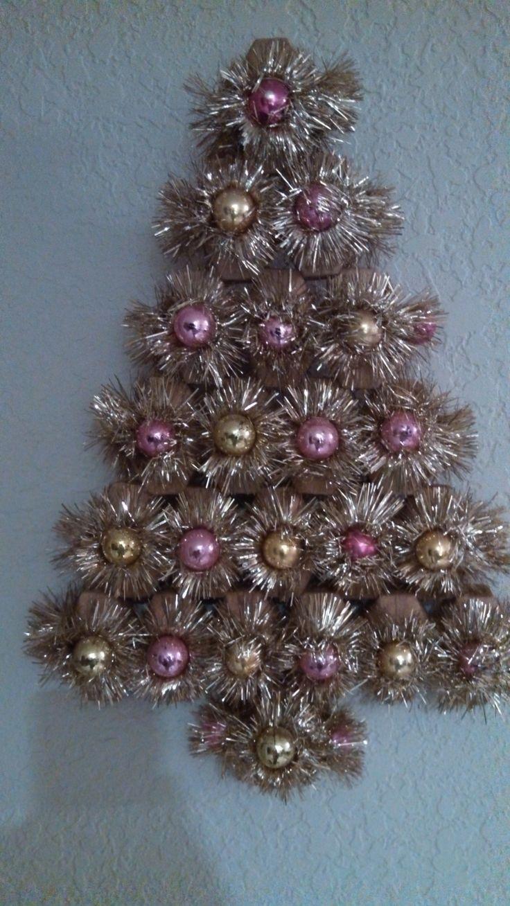 Silver tinsel christmas tree with color wheel - Tinselmania 221 Vintage Aluminum Christmas Trees