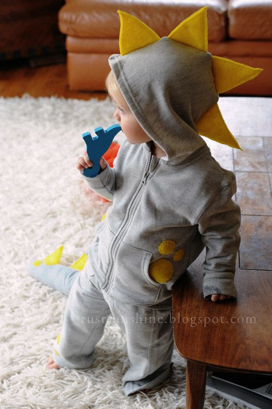 This snuggly dino. | 37 Cheap And Easy Sweatsuit Halloween Costumes