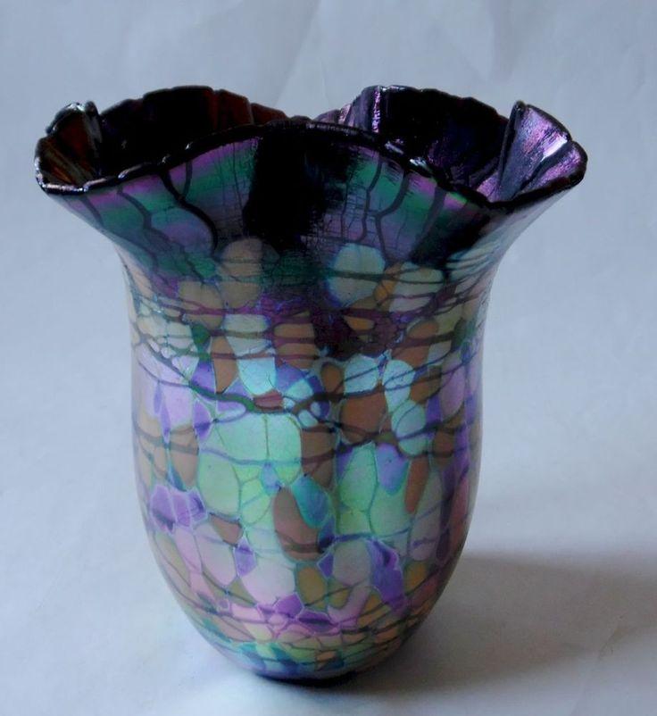 RICK HUNTER IRIDESCENT ART GLASS FLARED BOWL VASE