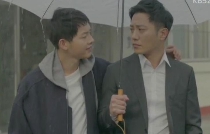 Descendants Of The Sun: Yoo Si Jin (Song Joong Ki) and Seo Dae Young (Jin Goo)