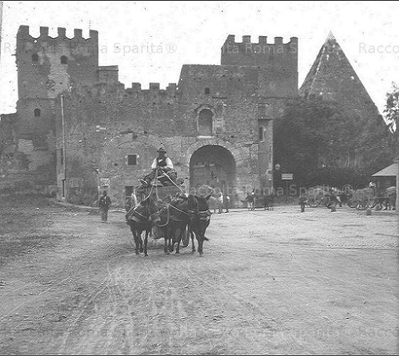 Porta San Paolo e Piramide Cestia Anno: Inizi '900