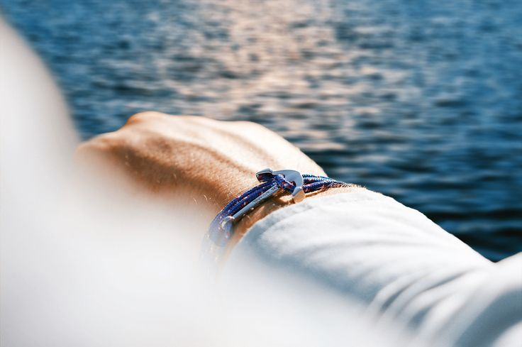Sea anchor bracelet blue