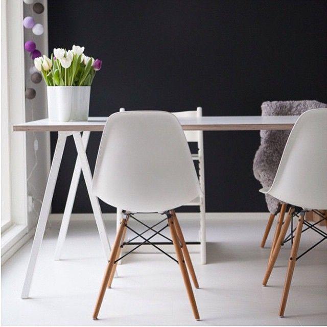 Every office needs an Aalto. @keskipiste #iittala #alvaraalto