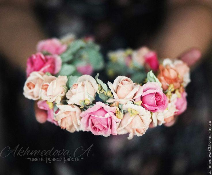 """Купить Цветы из шелка . Цветы из ткани. Венок из роз """"Свадьба в Дубае"""" - бежевый, малиновый, желтый"""