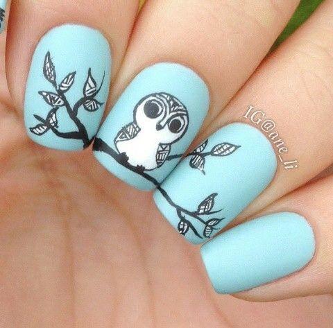 Un diseño de buho :) en combinación con azul. Chulisimo