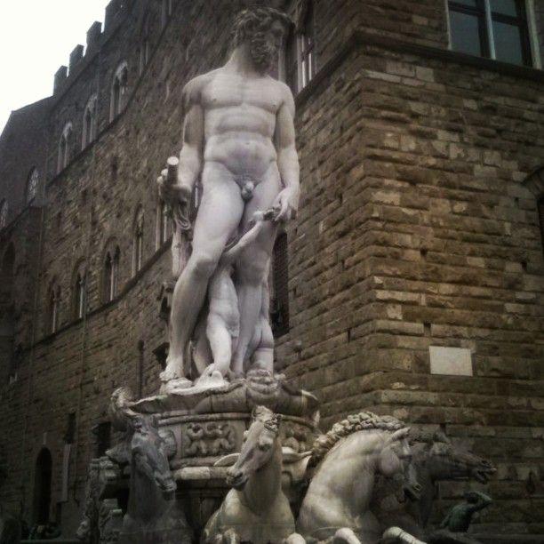 Florence, Tuscany. #travelislife#arttravel#culture#art#traveler#travelling#florencetravel#instaluxury#florenceluxury#travelgram#instatravel#followme#picoftheday#wanderlust#instaluxury#passionofpassport#travelitaly#travelword#destinations#travelblogger#vacay#vacation#like4like#like#luxuryholidays#holidays#uffizzimuseum#accademygallery#cultureandtravel#travelgroup#travelagency