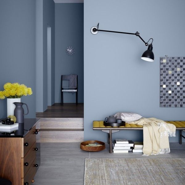 Schoner Wohnen Wandfarbe Blau Grauer Boden Schlafzimmer Wandfarbe Dunkler Bode In 2020 Blue Living Room Living Room Scandinavian Paint Colors For Living Room