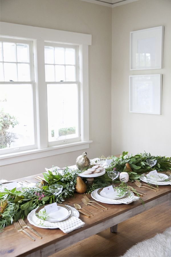 cozy natural table setting for your holiday table | coco+kelley