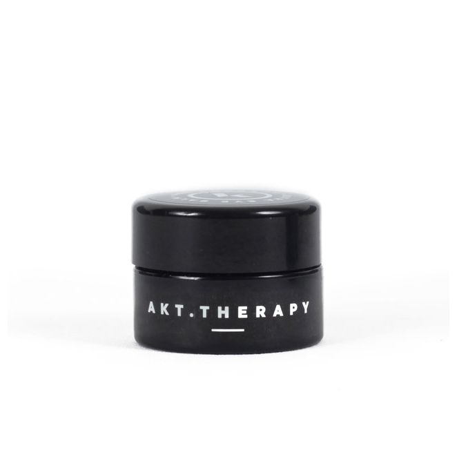 Ultra eye balm is made with non-reactive essential oils like sea buckthorn and wild carrot, which regenerate cells and increase healthy skin structure. The concentrated formula balances sensitive skin, improves elasticity and melts out fine lines around eyes and lips. Ultra eye balm hydrates and protects for a refreshed and dewy look, day or night.