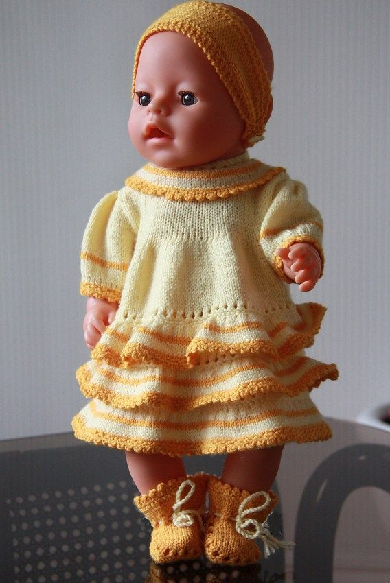 Another new design from Maalfrid - an awesome yellow dress with ra ra's for your doll. Design: Målfrid Gausel