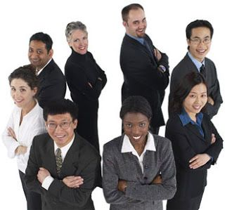 Tips Mencari Lowongan Kerja  Setelah anda lulus apa yang akan anda lakukan? Ada 2 pilihan dihadapan anda, apakah anda akan mencari kerja atau anda akan membuka usaha sendiri. Bagi anda yang punya modal dan sudah memiliki pengetahuan tentunya akan lebih suka membuka usaha sendiri.