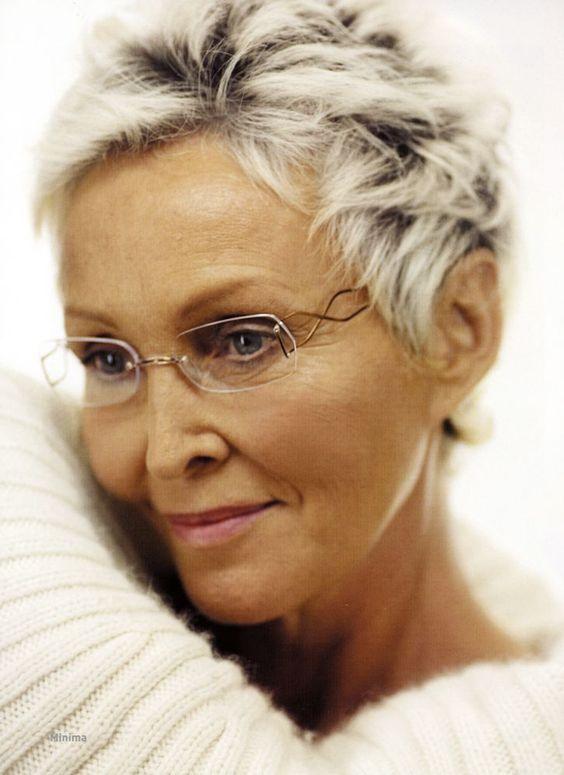 Korta frisyrer +50 … Fler kvinnor måste ta det här som exempel! Wow!