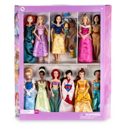 Recreate the magic of your favourite Disney films with this deluxe Disney Princess classic doll set. Each beautifully crafted doll features painted details and a glittery take on their classic dresses.