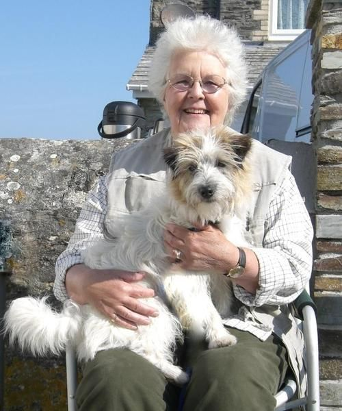Stephanie Cole on the set of Doc Martin - I was so sad to see Auntie Joan gone from the story!!!