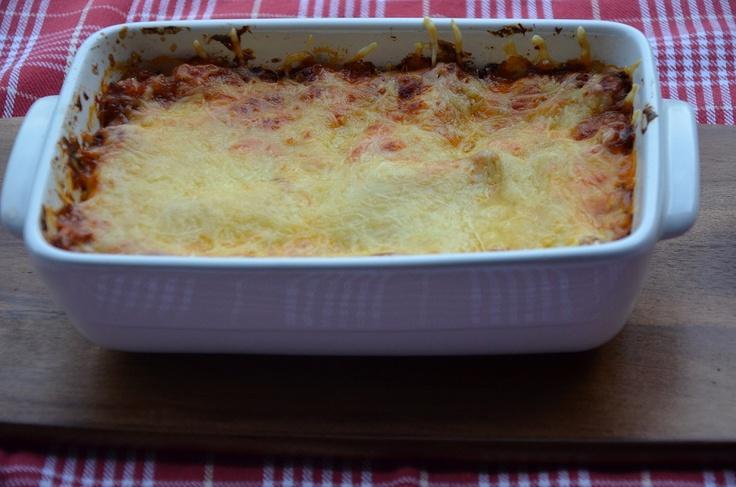 Zelfgemaakte lasagne met bechamel- en kaassaus. Gemaakt met bolognaisesaus uit een weckpot! Gemakkelijk, vlug en simpel.