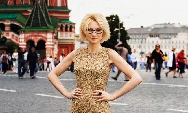 40 уроков стиля от Эвелины Хромченко http://www.adme.ru/svoboda-psihologiya/40-urokov-stilya-ot-eveliny-hromchenko-885310/