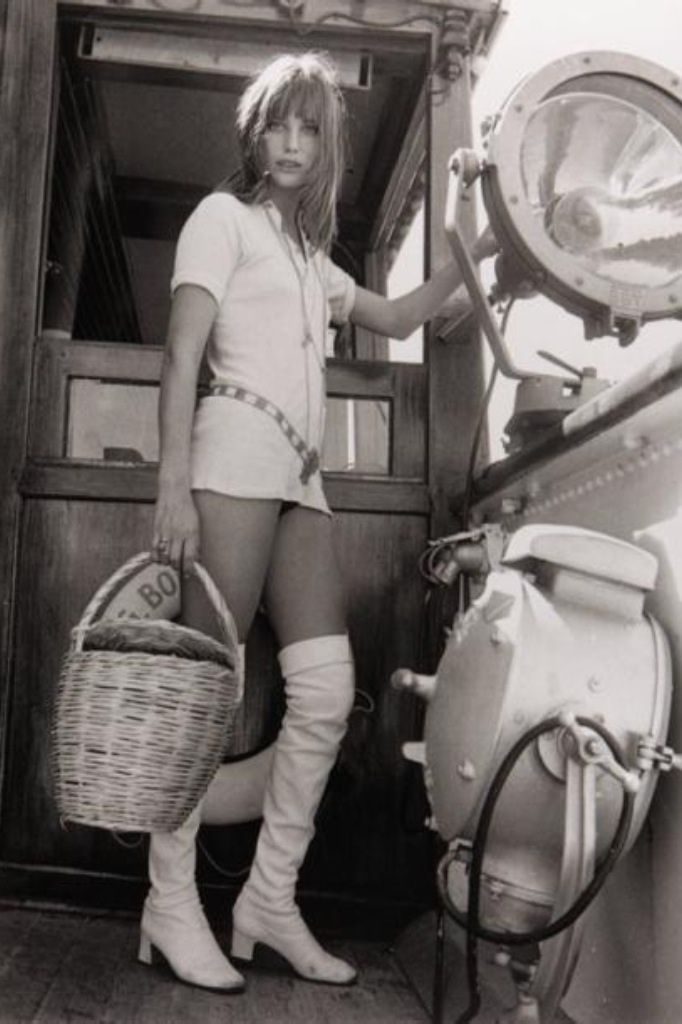 Jane Birkin is 60's chic. In love with the over the knee ...