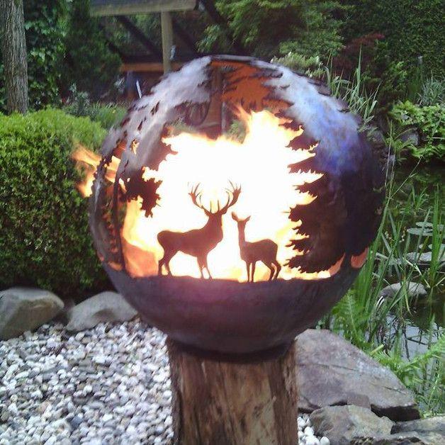 Feuerkugel mit 60 cm Durchmesser, separater InnenSchale und Gestell. Wald Model, mit Hirsch+Reh, Bock, Wildschwein Rotte, Eichhorn und Wild Gänse