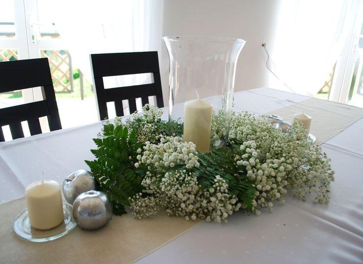 #decoratoriastudio #whitegreenwedding #naturalwedding #rusticwedding #tableweddingcomposition #tablewreath