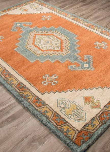 A Modernized Version Of This Rug S Central Traditional Motif Places It Squarely In The 21st