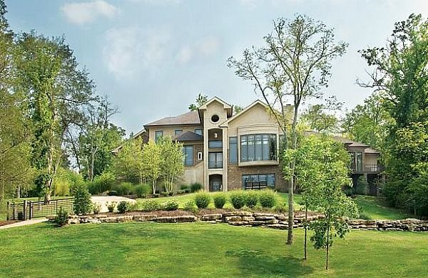 251 best homes of the rich and famous images on pinterest for Nashville tn celebrity homes