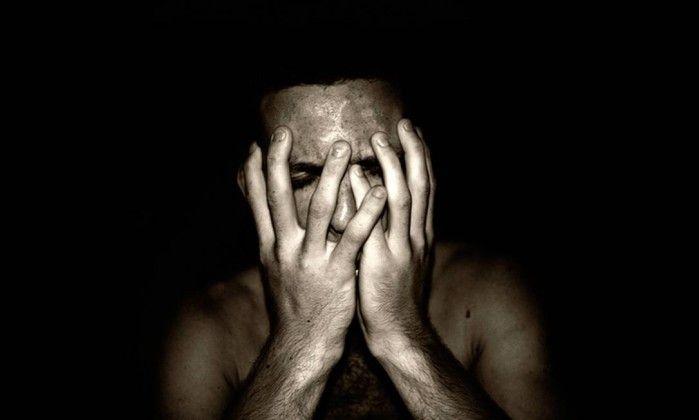 Pessoas depressivas com condutas de risco são 50% mais propensas ao suicídio, diz estudo - Jornal O Globo