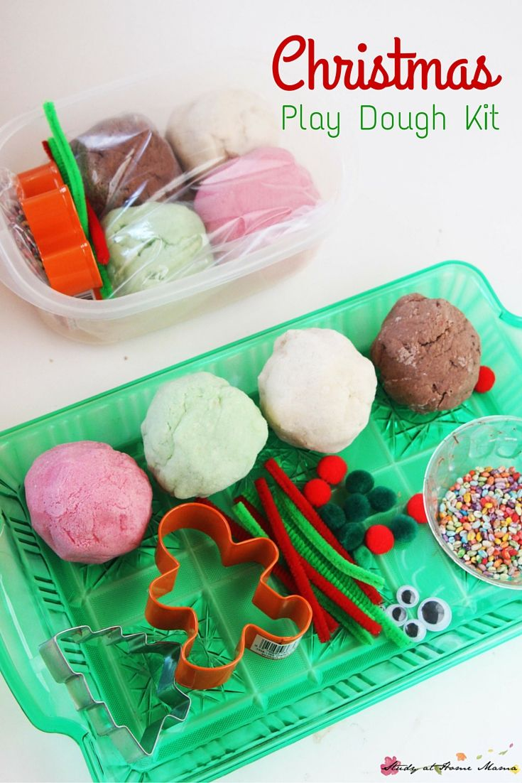 Homemade Christmas Play Dough Kit - a fun and useful homemade gift for kids, this homemade play dough kit engages fine motor muscles and creativity at the same time! Super easy and cheap to put together if you're making gifts for a large group or party