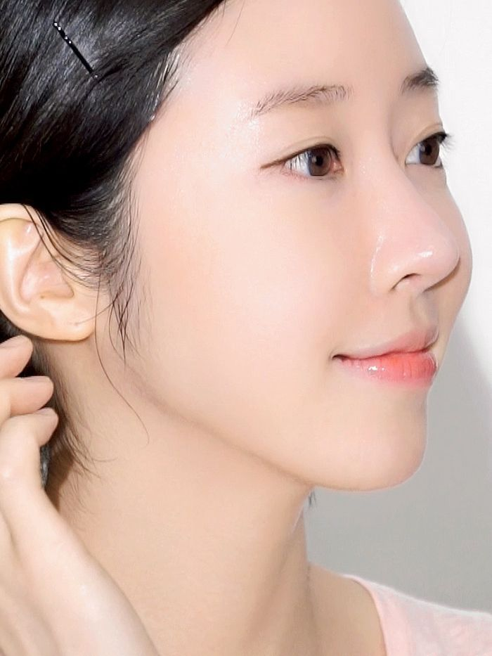 Forget Glass Skin Cloudless Skin Is The Latest Korean Skincare Trend Beauty Glass Skin Korean Beauty Tips