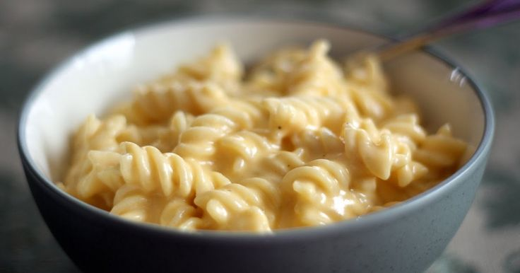 There are simply no words for the Pioneer Woman's Mac and Cheese .  None.  While I was eating this, I mentally wrote some eloquent entry tha...