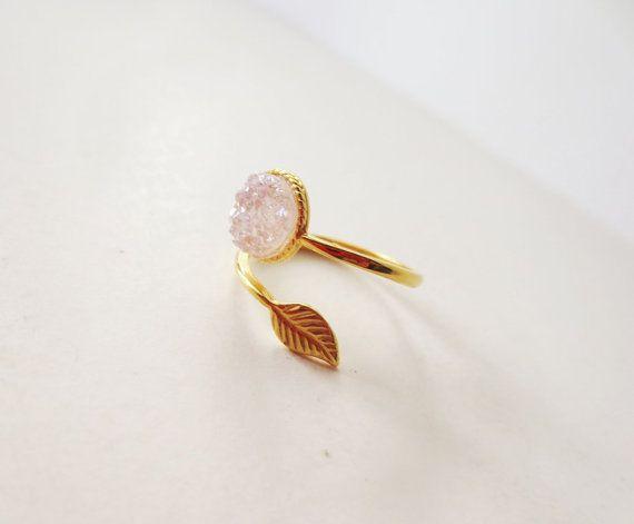 White druzy ring. Druzy stone ring. Gold leaf by LittleBearsMom