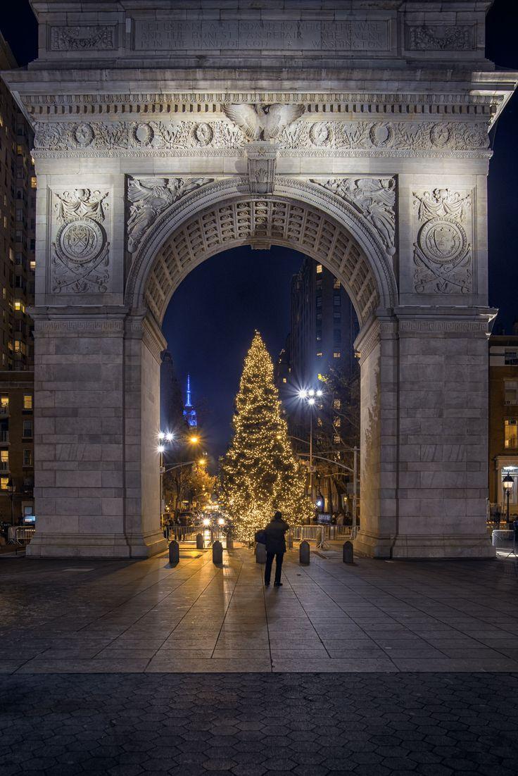Washington Square Park by Alexander Marte Reyes