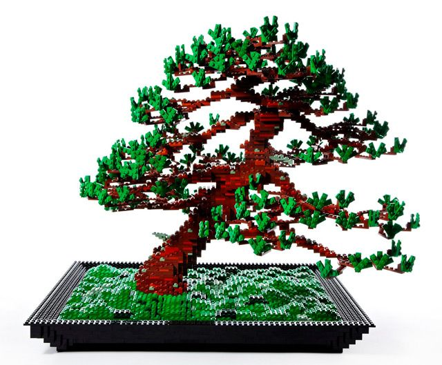 Lego Bonsai Tree by Makoto Azuma... This has to be the best Lego sculpture I have ever seen. Hands. Down.