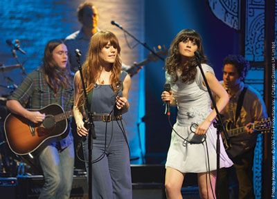 Jenny AND Zooey on the same stage??  My heart!