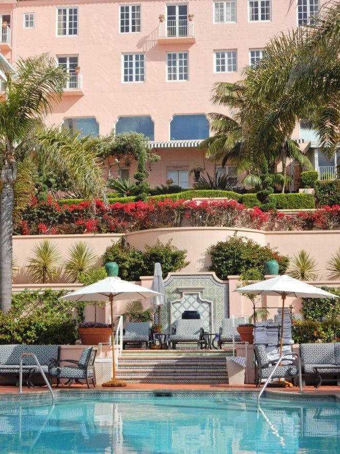 Pink Palaces Hotels Don Cesar Hotel Beverly Hills Chippewa Mackinac Pony Pub The Vinoy La Valencia Nacional De Cuba