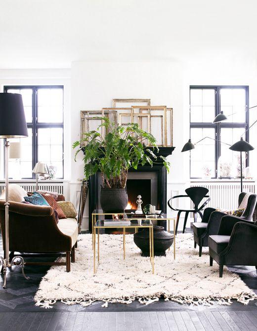 Day Birger et Mikkelsen living room, black, white, brass, beni ourain, Serge Mouille three-arm floor lamp, Lonny Dec 2012