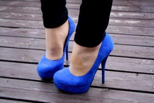 Needing a pair of heels this color....needing them desperately.