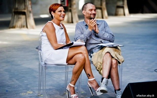 Simona Ventura and Boosta on Louis Ghost chairs | X Factor 7 Italy - Home visit