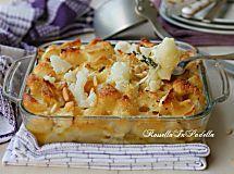Pasta con il cavolfiore al forno, filante e croccante con formaggio e pinoli