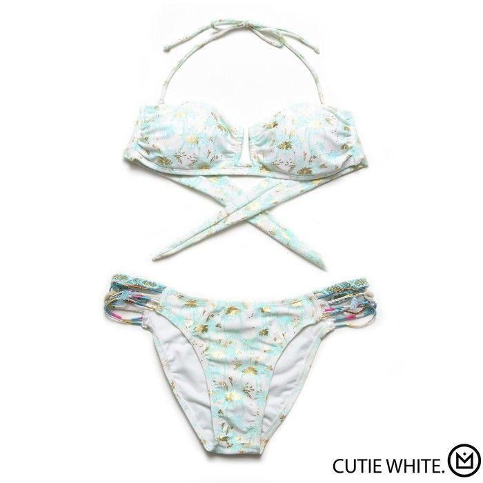 Bikini Cutie White Amenapih collection été 2015 - à retrouver sur //www.lilishopping.com/fr/ - #maillotdebain #bikini #amenapih #white #beach #summer #ocean #party