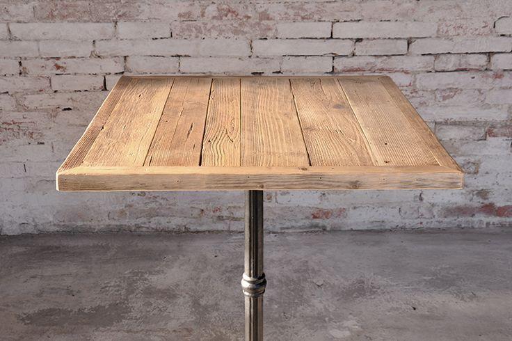 Interior design recupero il piano di questo tavolo realizzato con assi in legno di recupero di - Tavolo con cassette di legno ...