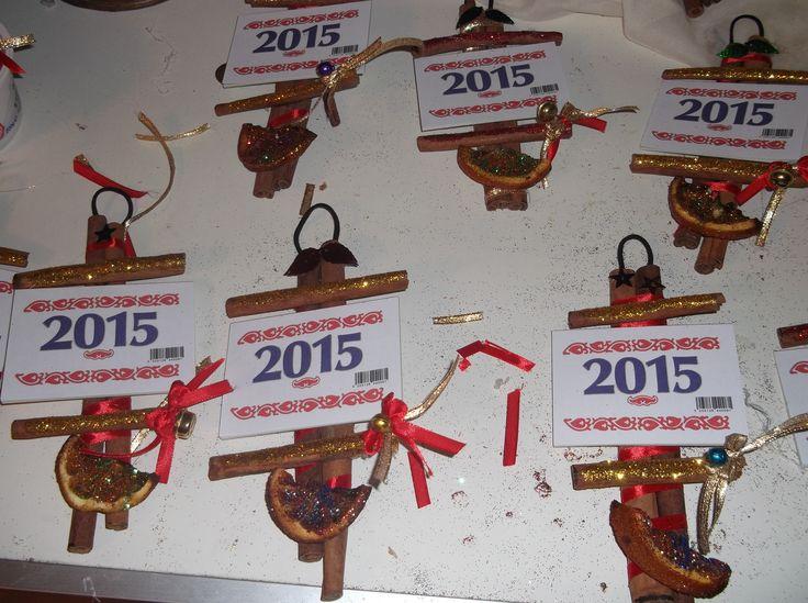 Χριστουγεννιατικα ημερολογια απο ξυλακια κανελας κ ψημενο πορτοκαλι με ζαχαρη