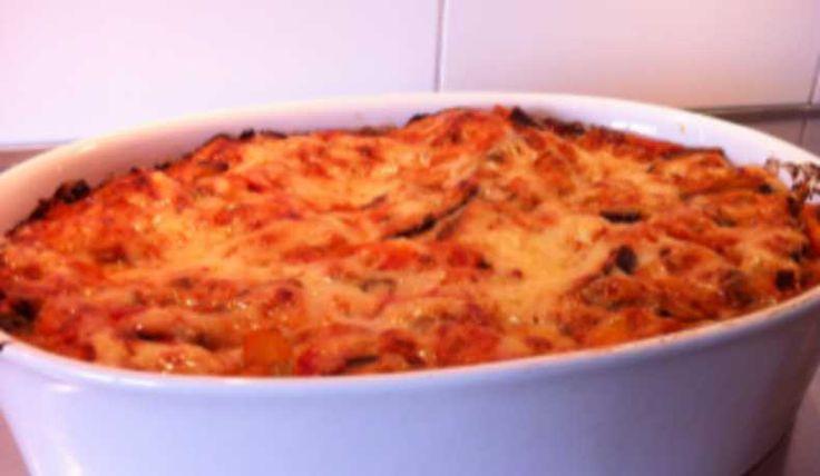 Mustig och god vegetarisk lasagne med fetaost och spenat. Som vardagsmat eller till tjejmiddagen kanske.