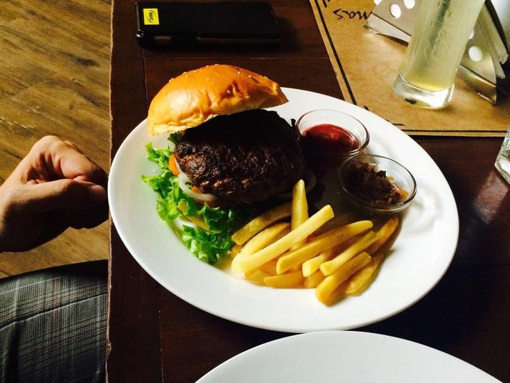 We LOVE cheat days! Coma & make the most out of it with this HUGE burger and a mug of beer!   Order online at www.elmasbakerybarkitchen.com