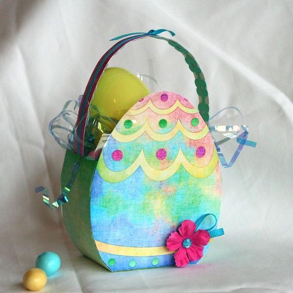panier œuf en papier pour la fête de Pâques